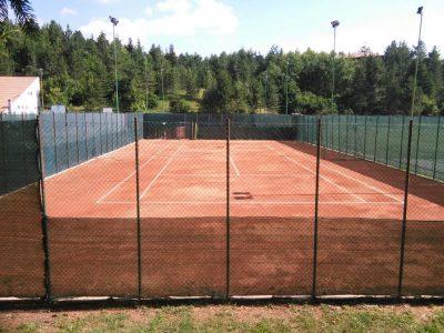 Campo di Giove, il campo da tennis in terra rossa