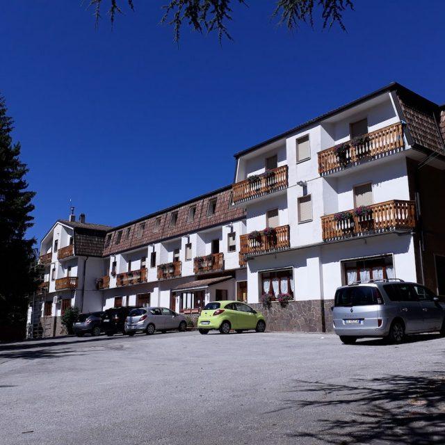 """Hotel """"Abruzzo"""""""