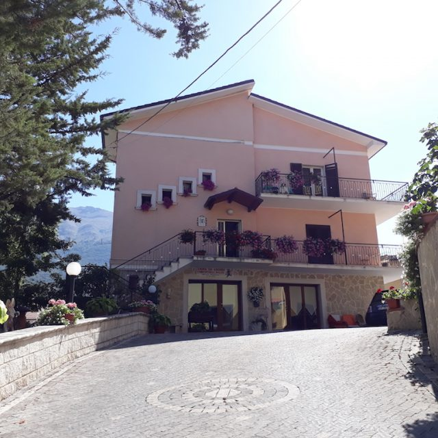 "Bed and Breakfast ""Pastore abruzzese"""