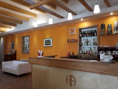 Il bar interno dell'Hotel Abruzzo