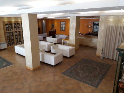 La hall dell'Hotel Abruzzo
